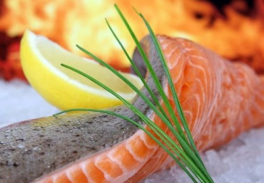 Công thức nấu súp cá hồi bí đỏ dinh dưỡng cho bé